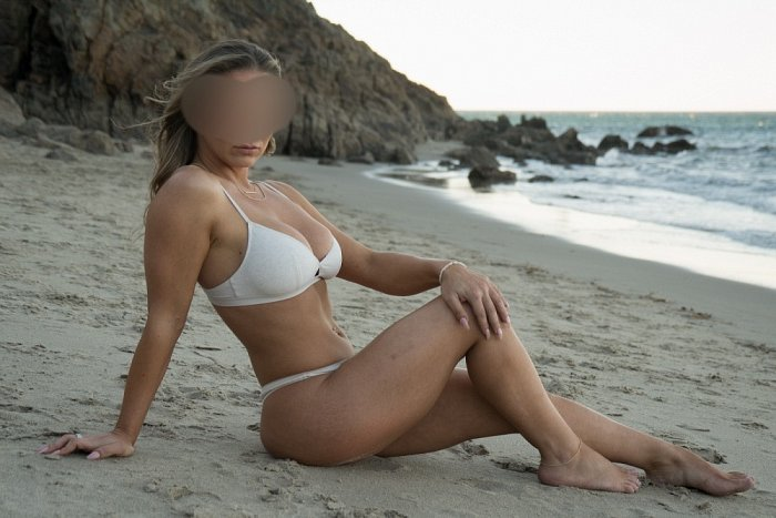 escort girl in Calumet City