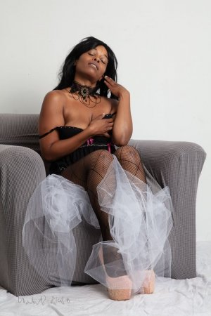 Marie-dominique escort girl in Sugarland Run VA