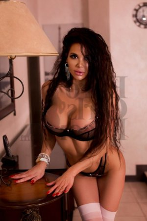 Anne-charline escorts in Minot