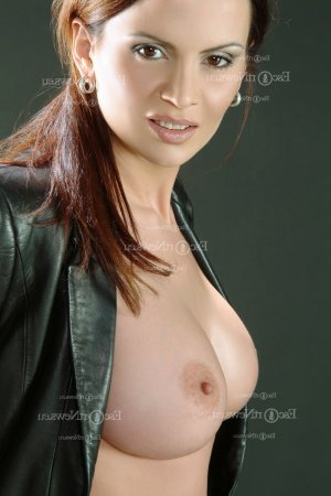 Shelly-ann escort girl