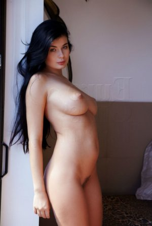 Liyanna escort girl