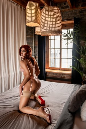 Marie-carine escort girl in Bowling Green OH
