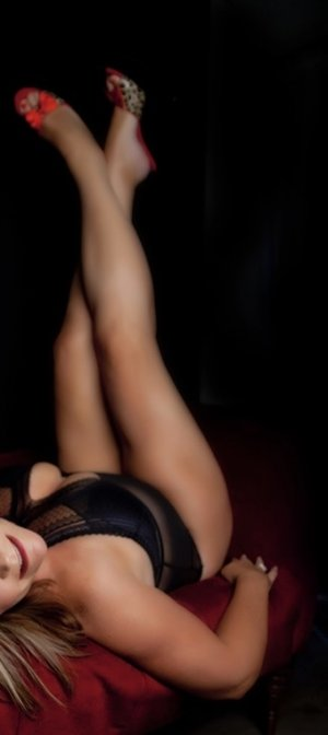 Kyriane escort girl